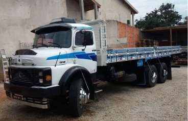 Caminhao mb-1313 ano 1982 truck