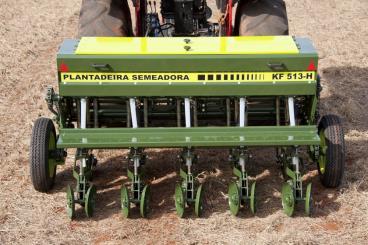 Plantadeiras kf hidráulicas soja/milho
