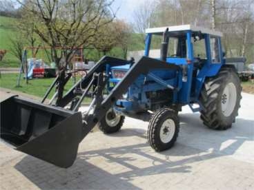 Tractor ford5000 com carregardor frontal