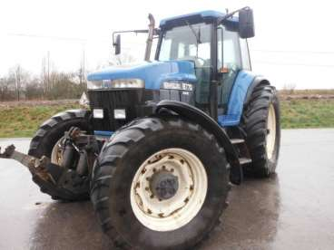 Tractor new holland 8770