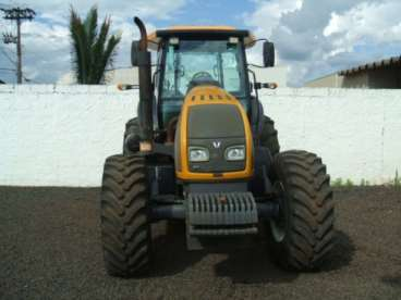 Tratores valtra bt 150 4x4 ano 2011
